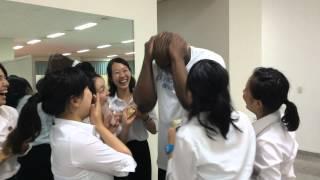 North Korean-Japanese girls go gaga over US wrestler Bob Sapp (who's huge in Japan)
