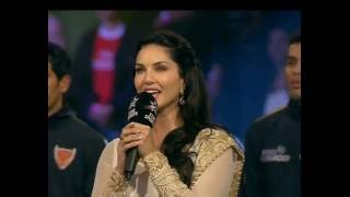 Sunny Leone singing National Anthem at Pro Kabaddi 2016