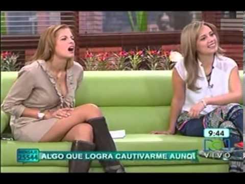 laura acuña mostrando SEXY nuevo noviembre 2013