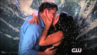 Jane The Virgin - Jane and Michael 2x04 Kiss