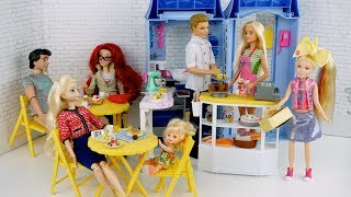 Barbie & Ken Bakery Cafe Routine with Frozen Toddler Elsa, Little Mermaid Ariel, Jojo Siwa Doll