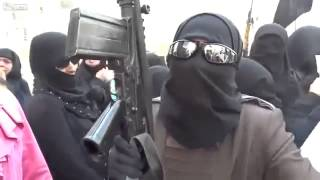 syriawarnews-FSA Woman Rebel Holding Weapons And Wants To Go Into Al Qus