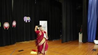Sohag Chand Bodoni dhoni Nacho to Dekhi Karina Dance