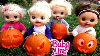 BABY ALIVE Carve Out Pumpkins For Halloween!