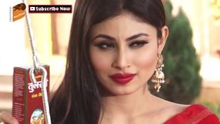 Hot! Naagin Tv Serial Actress Mouni Roy Photoshoot In Red Saree