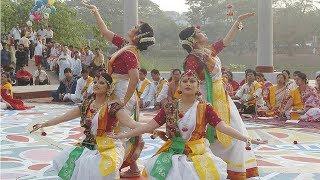 গ্রামের এক দল মেয়েদের অসাধারন নাচ । Really amazing cute school girls dance