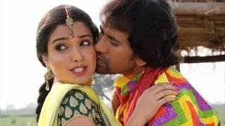 कांचे उमरिया Garam Masala Bhojpuri Song