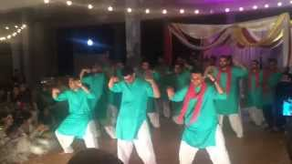 Ashar and Hadiqa Mehndi Dance - Raw & Uncut (Guys Side)
