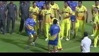 DJ Bravo and MS Dhoni funny dance on IPL field