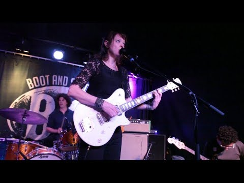 Mary Timony plays Helium 6.7.17 at Boot And Saddle 13 songs