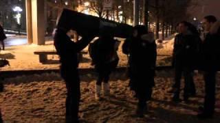 Zieuter dans la rue - Vidéo (d'un) amateur