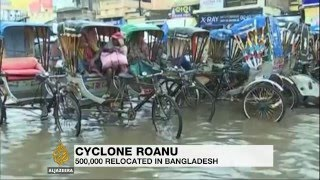 Deaths as Cyclone Roanu pounds Bangladesh