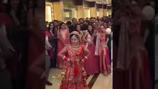 Dulhan entry with Dancing