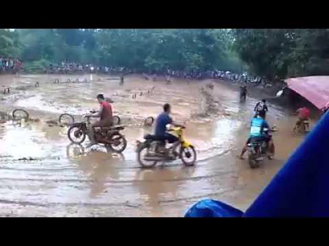 Balap motor cross paling extreme di dunia, trek lumpur lapindo