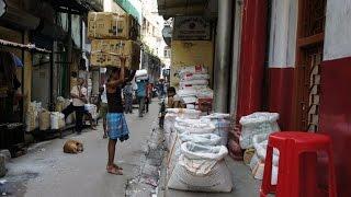 Walking in Kolkata ( Calcutta)