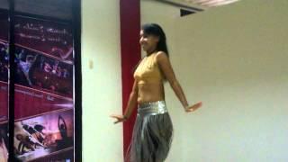 sabira Hashim bellydance, improvisación de Derbake