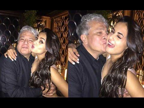 CAUGHT: Hot Sonal Chauhan Hugging Kissing Older Man, Suhel Seth | Hot Bollywood News | Gossips