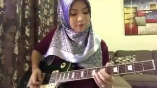 Video gadis bertudung bermain gitar lagu Canon Rock