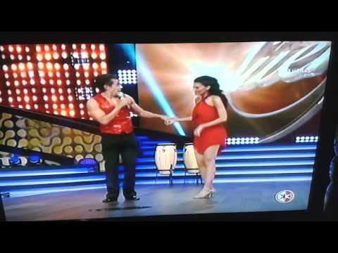 Livia Brito bailando merengue primer desafío.