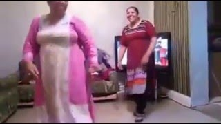 Fat Indian Aunty's dancing funny...