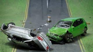 Accidente de juguetes en español. Accidents will happen. Children Toys accident crach in spanish