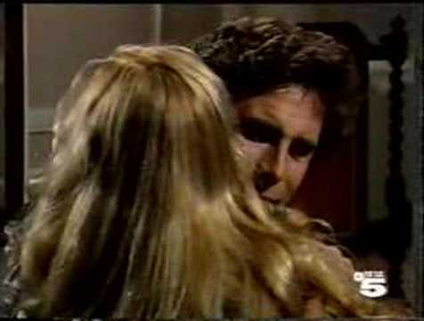 Manuela Isabel y Fernando se besan por primera vez