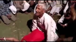 Desi mujra with tharki budha