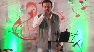 Tujhe dekh dekh sona - sung by Sanjay Desai