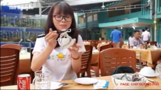 cô gái ăn đồ sống xem mà không khỏi rùng mình