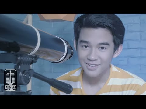 Karel - Cinta Pertama (Official Video)