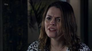 Coronation Street - Tracy Suggest Running Away With Rob