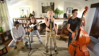 "Private Studio Sessions: Jenny and the Mexicats ""Me Voy a Ir"""