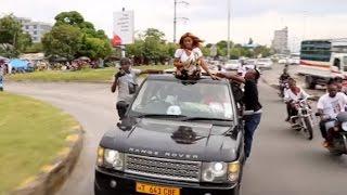Full video: Mwanzo mwisho Lulu alivyoitembeza tuzo yake kwenye Range Rover