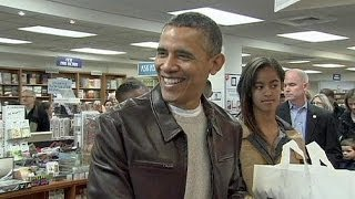 Obama and daughters go big on books on Small Business Saturday - no comment