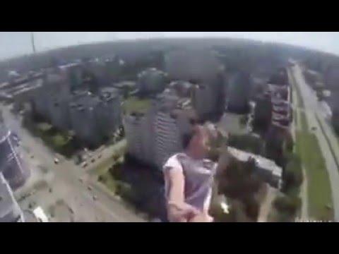 Aksi Mengerikan Lompat di Ketinggian 1000 meter Bikin Merinding