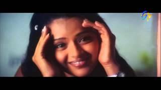 Chitram Movie Songs - Delhi Nunchi - Uday Kiran, Reema Sen