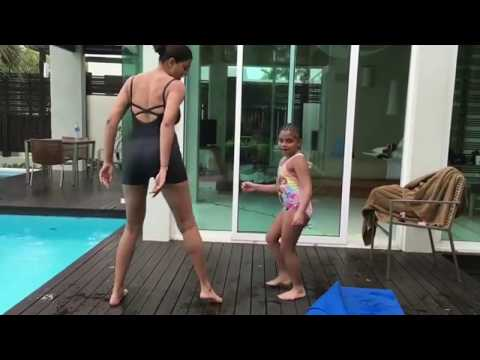 sushmita sen very hot  dance with her daughter