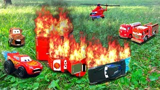 Disney Pixar Cars 3 Lightning McQueen and Jackson Storm Race Red Mack Hauler Giant Crash Starts Fire