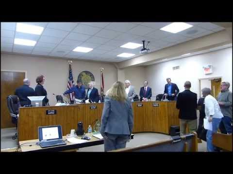 Xxx Mp4 Christians Walk Out Of Public Meeting Because Of Atheist Invocation 3gp Sex