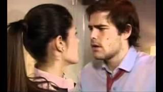 Scene di sesso di Peter Lanzani in La Dueña