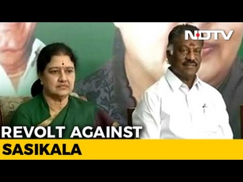 Sasikala Camp Turns Against Her In Merger Talk With OPS Group Sources