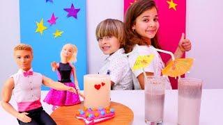 Barbie ve #evcilikoyunları. Yemek yapma ve #hamuroyunları. Romantik akşam yemeği hazırlıyoruz!