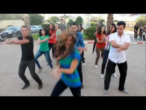 HD روعة رقص طالبات كلية الطب تونس
