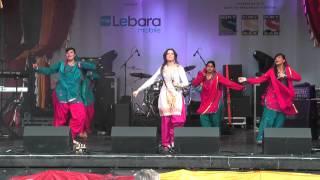 2 Beautiful Punjabi Bhangra Music Dance at Vaisakhi 2014 Trafalgar Sq London