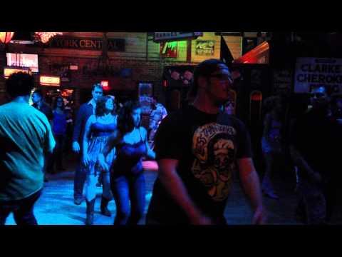 Lindsey and Shane Line Dancin @ Saddle Up