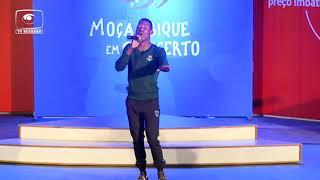 GABRIEL JÚNIOR RECEBE FITO PERIGOSO NO MOÇAMBIQUE EM CONCERTO