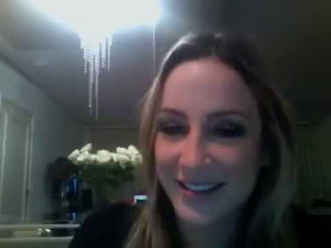 Claudia Leite esquece webcam ligada e mostra intimidade 07 05;2012 12 34h.mp4