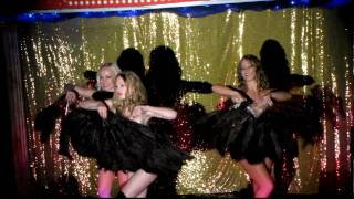 cabaret rouge fan dance.MOV