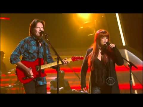 John Fogerty & Wynonna Judd Duet - Proud Mary - ACM Girls Night Out (Live)