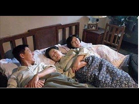 """Xxx Mp4 2 Mẹ Con Chung Một """"chồng"""" Và Chuyện Khó Tin Trên Giường 3gp Sex"""